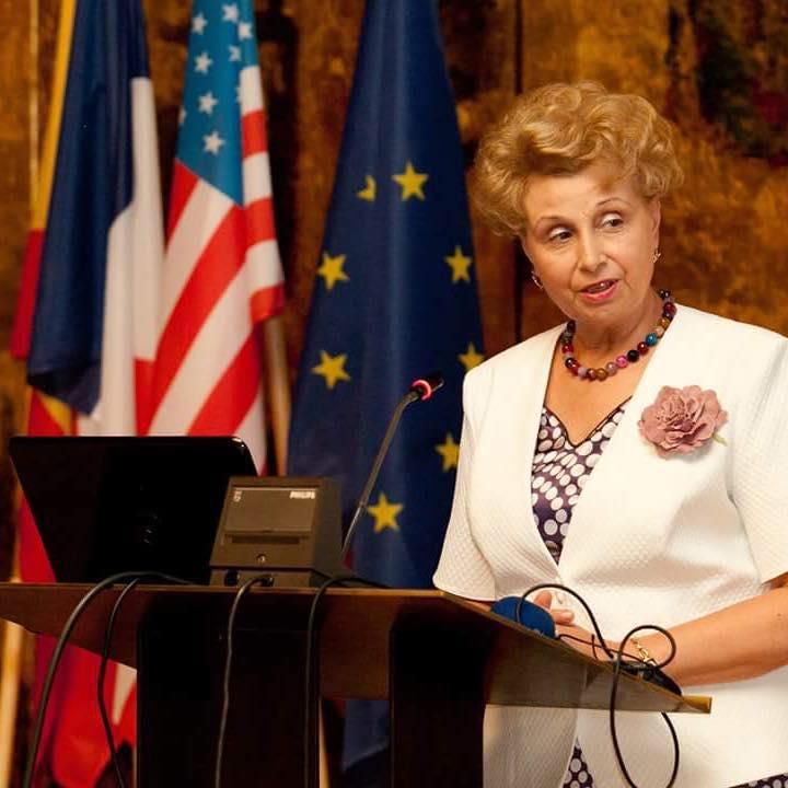 Prof. Dr. Cătălina Arsenescu Georgescu - Profesor Universitar Emerit UMF Iași & Membru Corespondent al Academiei de Științe Medicale